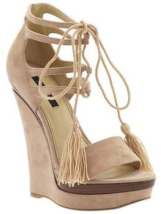 """Impractical and yet I can't help but want them... (Rachel Zoe """"Kayne"""")"""
