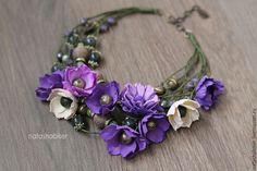 Купить Колье с цветами из фоамирана и бусинами, зеленый фиолетовый пурпурный - фиолетовый, колье с цветами