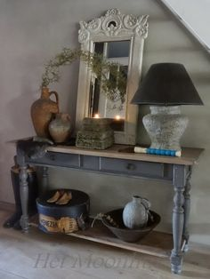 Het Moonhuis: Muurvuller en tegellijm 2 Furniture Decor, Painted Furniture, Rustic Chic, Shabby Chic, Deco Addict, Upholstered Chairs, Decoration, Home And Living, Entryway Tables