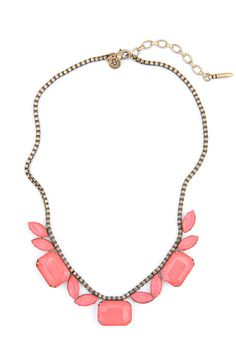 BLYTHE NECKLACE IN CORAL