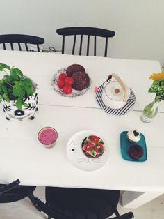 saarahelkala   VSCO Grid Toy Kitchen, Kitchen Dining, Home Furniture, Modern Furniture, Dining Room Design, House Design, Vsco Grid, Plates, Tableware