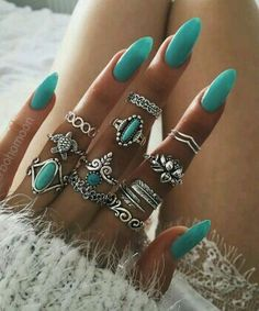 Latest nail trends the furry nails have taken the nails art to a whole new level. Not so many years have passed since women started experimenting new trend. Cute Nails, Pretty Nails, Hair And Nails, My Nails, Long Nails, Nail Art Designs, Nails Design, Accesorios Casual, Jewelry Rings