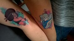 And for the even bigger reveal, My wife finally got her Ruby Tattoo! So here are the two of our tattoos together! I'm just blown away by how awesome of a job South Water Studios did on these, and how. Steven Universe Tattoos, Steven Universe Theories, Perla Steven Universe, Cartoon Tattoos, Up Tattoos, Body Art Tattoos, Tatoos, Friend Tattoos, Ruby Tattoo