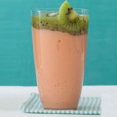 Papaya + Kiwi = a Vitamin C-packed smoothie you're gonna love! | health.com
