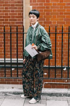 The Pink Pineapple: London Fashion Week Day Date Outfits, Night Outfits, Cool Outfits, Fashion Outfits, Grey Fashion, Winter Fashion, Womens Fashion, Style Fashion, Skater Girl Outfits