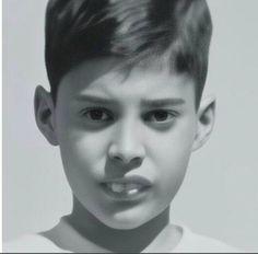 Freddie Mercury Rare photo as a boy Queen Band Member Queen Freddie Mercury, John Deacon, Brad Pitt, Freddie Mecury, Queen Albums, Roger Taylor, Queen Photos, We Will Rock You, Somebody To Love