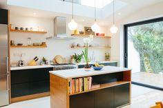 West Dulwich kitchen design by West & Reid. Shaker Kitchen, New Kitchen, Kitchen Dining, Küchen Design, House Design, Interior Design, Plywood Kitchen, Altea, Kitchen Gallery