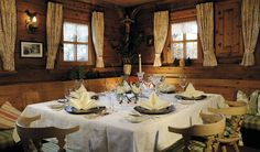 So cosy is the ambiance, so exquisite is the cuisine in the Lecher Walser Stube à-la-carte restaurant in Lech! Hotel Chalet, Hotels, Country Living, Table Settings, House Design, Restaurant, Cabins, Travel, Elegant