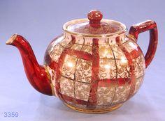 Arthur Wood Burgundy and Gold Vintage Teapot  Vintage Teapot from Arthur Wood with a burgundy and gold pattern. 1950s.