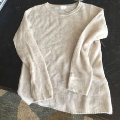 Club Monaco light cashmere crew neck Light gray, cashmere, light weight for spring Club Monaco Sweaters Crew & Scoop Necks