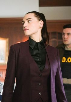 Katie McLuthor - Katie McGrath in a three piece suit Source by - Androgynous Fashion, Tomboy Fashion, Suit Fashion, Look Fashion, Fashion Outfits, Womens Fashion, Androgynous Women, Queer Fashion, Girl Fashion