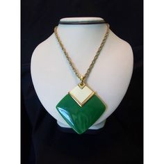 Crown Trifari MOD Large Jade Cream Geometric Pendant Necklace Lucite... ($165) via Polyvore featuring jewelry, necklaces, pendant necklaces, vintage pendant necklace, vintage lucite necklace, snake chain necklace and trifari necklace