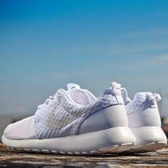 nock-nock-nock:  Nike Roshe Run