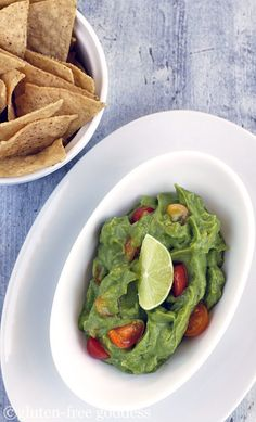 Gluten-Free Goddess Recipes: Easy Vegan Guacamole Recipe with Lime - I'll omit the tomatoes Guacamole Recipe, Gluten Free Cooking, Dairy Free Recipes, Vegetarian Recipes, Going Vegetarian, Healthy Recipes, Gluten Free Appetizers, Appetizer Recipes, Deserts