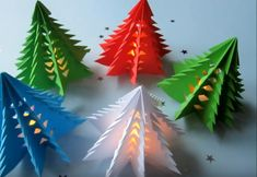 Fold origami for Christmas – 5 detailed instructions and a lot of crafts … - Xmas Origami Christmas Tree, Kids Christmas, Xmas Trees, Origami Ornaments, Christmas Paper, Diy Paper, Paper Crafts, Diy Crafts, Tree Decorations