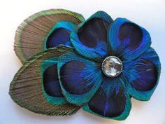KLAAR om te verzenden  ALLY Peacock Flower Hair Clip door Lucyohlucy