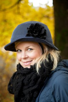 Genius! bike helmet that looks like a hat. This may convince me to use a helmet... (Livs Lyst)