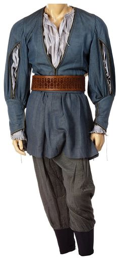 And here's Peter's costume from the end of Prince Caspian! I would NEVER have guessed the fabric on the tunic was textured, but I love it!