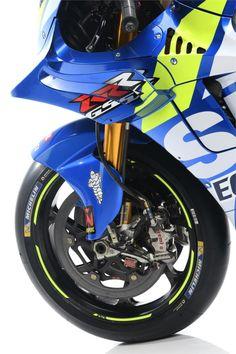 Check out Suzuki's striking new MotoGP livery for the 2019 season from every angle – including race riders Alex Rins and Joan Mir. Suzuki Motorcycle, Motorcycle Engine, Alfa Romeo Cars, Suzuki Gsx, Bike Art, Bike Design, Sport Bikes, Custom Bikes, Motogp