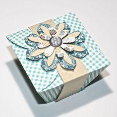 FlebbeArt: März 2012  indpakning, pakker, papir blomster