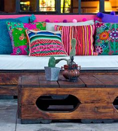 ¡Viva México! | Ventas en Westwing Una mezcla de arte popular  y misticismo conforma la decoración de las tradicionales casas mexicanas.