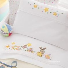 Baby Embroidery, Cross Stitch Embroidery, Cross Stitch Patterns, Quilt Baby, Winter Centerpieces, Baby Sheets, Cute Cross Stitch, Baby Crafts, Toddler Preschool