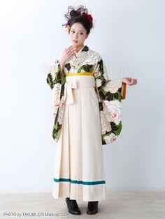 和洋折衷 Yukata Kimono, Kimono Dress, Japanese Costume, Japanese Kimono, Cute Cardigan Outfits, Cute Outfits, Kimono Fashion, Fashion Dresses, Modern Kimono