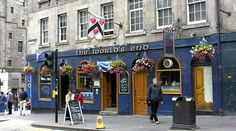 The World's End Tavern in the Royal Mile - Edinburgh, Scotland
