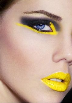 Demystifying beauty makeup and learning makeup tips from top makeup artists for an overall better YOU Lidschatten Yellow Makeup, Yellow Eyeshadow, Yellow Lipstick, Black Makeup, Neon Lipstick, Smoky Eyeshadow, Black Eyeliner, Smokey Eye, Makeup Tips