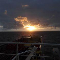 #nofilter #sunset #supplylife #offshorelife #northsea #Nordsjøen #scotland #nature #skyporn #seekoffshore #islandoffshore #ivoffshore by janhelgegrindhaug