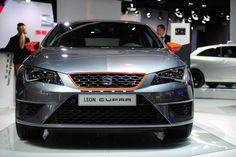 Performance der Extraklasse: der #SEAT Leon #CUPRA. #SEATparis