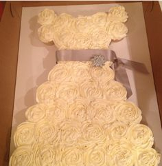 Will share with Melissa Out of cupcakes for bridal shower!