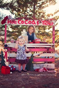 Becca Wholwinder Photography, cola stand... I think I can make this from old pallets..