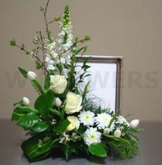 New Flowers Arrangements Funeral Centerpieces Ideas Funeral Floral Arrangements, Large Flower Arrangements, Flower Centerpieces, Flower Decorations, Contemporary Flower Arrangements, Altar Flowers, Church Flowers, Funeral Flowers, Wedding Flowers