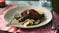 Fillet of venison and wild mushroom sauce |      Once past the marinade, this easy venison recipe is so quick. Let the flavoursome ingredients do your work for you.