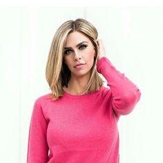 """On Wednesday's we wear pink."" photo: @jessakae #fashionblog #fashionblogger #spring #whatiwore #kensingtonwayhair"