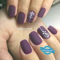 Many girls who have short nails, think that it is difficult to have a nice manicure design. But this is so wrong, if you choose the right nail polish color and design, you can have nice and stylish nail art design, even if your nails are too short. New Nail Art, Cute Nail Art, Nail Art Diy, Easy Nail Art, Fall Nail Designs, Simple Nail Designs, Beginner Nail Designs, Plum Nails, Nail Art For Beginners