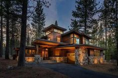 Wohnen See this home on Redfin! 10267 Olana Dr, Truckee, CA 96161 Take Your Kitchen t Mountain Home Exterior, Modern Mountain Home, Rustic Houses Exterior, Dream House Exterior, Contemporary Cabin, House Goals, House In The Woods, Modern House Design, Exterior Design