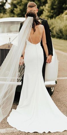 6581a3f36b4 30 Simple Wedding Dresses For Elegant Brides