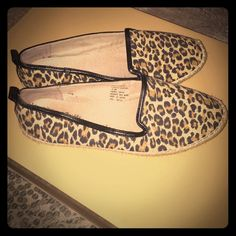 Leopard Flats Comfortable flat shoes that were only worn once. Excellent condition with Leopard print. Shoes Flats & Loafers
