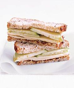 Trade PB&J for this seasonal cheddar and apple sandwich. Cheddar and Apple Sandwich Apple Sandwich, Sandwich Recipes, Sandwich Spread, Sandwich Ideas, I Love Food, Good Food, Yummy Food, Sandwiches, Easy Lunches For Work