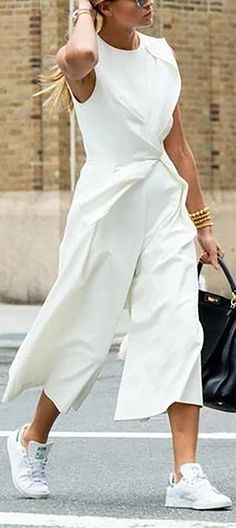 Simple and elegant white jumpsuit with sleeveless top and cropped culotte style pants jumpsuit. Twisted scarf tied look detail at the waist. Look effortless dressed up with this minimalist clean jumpsuit. Fashion Mode, Look Fashion, Winter Fashion, Womens Fashion, Feminine Fashion, Spring Fashion, Sneakers Fashion Outfits, Mode Outfits, Fall Outfits
