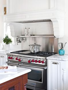 Get a timeless, classic look with inspiration from these white cottage kitchens.