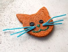 Cat magnet. Orange wooden magnet with sand. by Fantasiedisabbia, €6.50