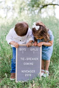 Brother and sister baby announcements with letter board # expecting announcement. Brother and sister baby announcements with letter board # expecting announcement. Erwarten Baby, Baby Sleep, Baby Love, Baby Newborn, Newborn Care, Expecting Baby Announcements, Baby Announcement Pictures, 3rd Pregnancy Announcement, Expecting Baby Pictures