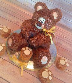 Teddy bear cake! Www.facebook.com/finishingtouchesbyliz