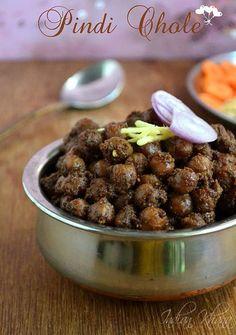 Pindi Chole reicpe or Rawalpindi chole or Pindi Chana is popular Punjabi Chole recipe made with minimal ingredients. Punjabi Pindi Chole Masala Recipe, How to make pindi chole. Veg Recipes, Curry Recipes, Indian Food Recipes, Cooking Recipes, Indian Snacks, Kitchen Recipes, Punjabi Recipes, Pulses Recipes, Jain Recipes