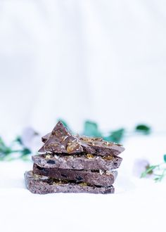 Awesome & Easy Recipe of the Tony's Chocolonely caramel seasalt bar!  http://glowofbeauty.nl/karamel-zeezout-repen/ (in dutch)