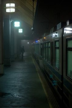 Lovely, lonely, modern and mysterious. Night Aesthetic, City Aesthetic, Dark Photography, Street Photography, Dank Wallpaper, Art Sombre, Dark Paradise, Image Hd, Cinematography