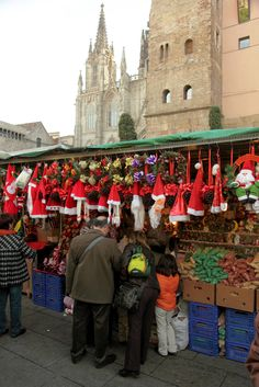 The Fira de Santa Llúcia is undoubtedly the oldest and most traditional Christmas market in Barcelona (Catalonia, Spain). It is celebrated each year at the Plaza de la Seu and the stalls offer all kinds of Christmas items: traditional nativity figures, modern decorations, etc ..